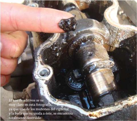 Causas agua aceite motor